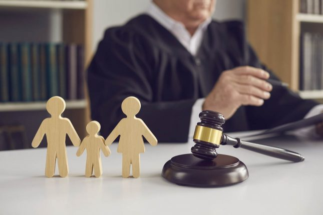 Advantages of Hiring a Family Lawyer